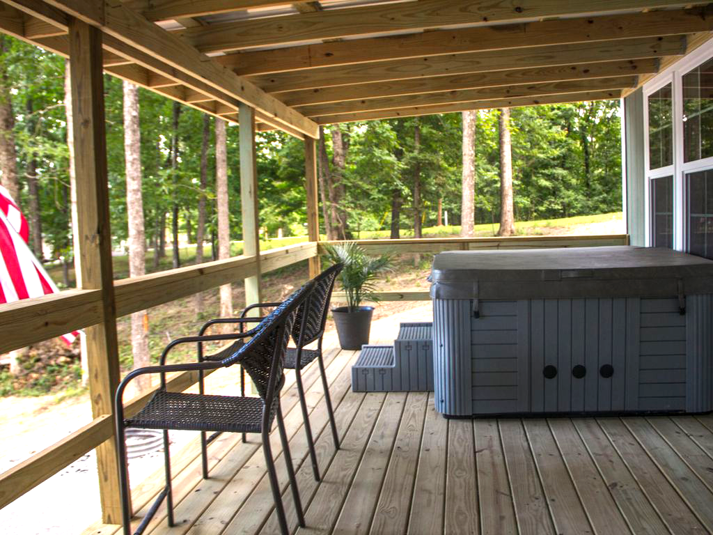Hot Tub on the Front Porch with Lake View | Hohman Lake Rentals